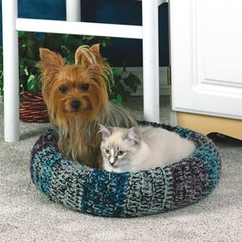 Free Instructions for this & other pet beds  1 Skein pet bed - https://word.office.live.com/wv/WordView.aspx?FBsrc=https%3A%2F%2Fwww.facebook.com%2Fdownload%2Ffile_preview.php%3Fid%3D139215962921689%26time%3D1366230823%26metadata_token=1509679091%3AAVL0jNqz20CsTZnYgSTJ4OcxeJysHVej4vuFuqiNbKxOcA=1+Skein+Pet+Bed+2013.docx